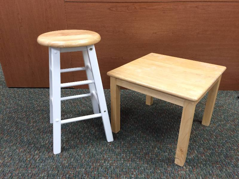 Bar Stool And End Table Home Decor Collectibles