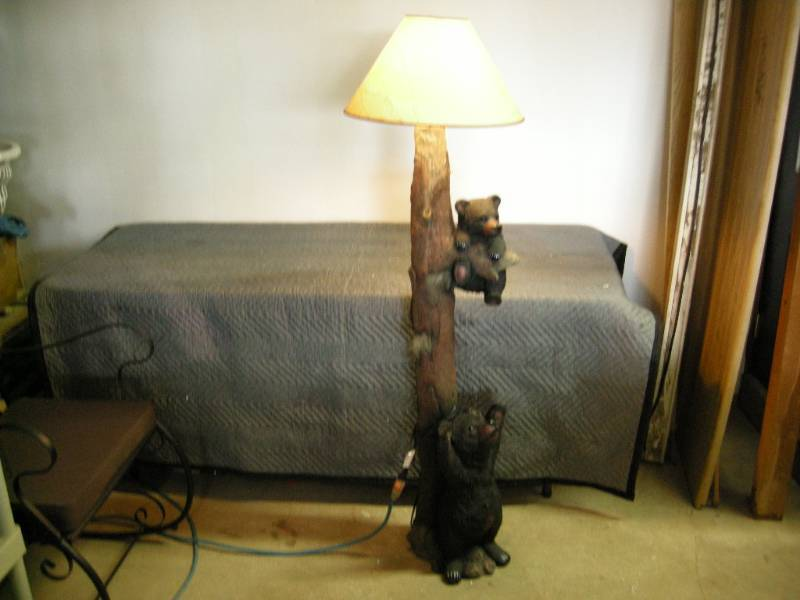 Black Bear Floor Lamp | Like New Cabin, Country, Cowboy Decor | K BID