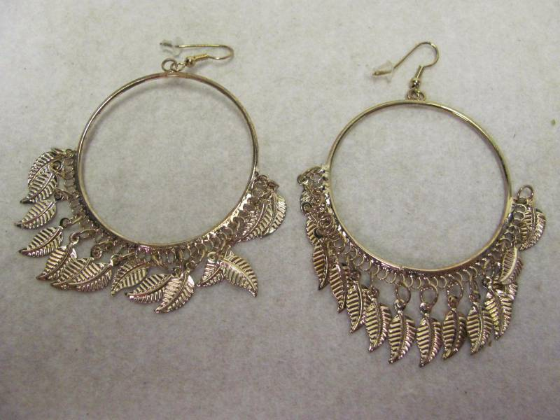 859acc65e Goldtone Feather Hoop Earrings New Catalog Item from a major Online  Retailer! Includes Gift Box. This lot ships for a flat $6.00 Save on  Shipping When You ...