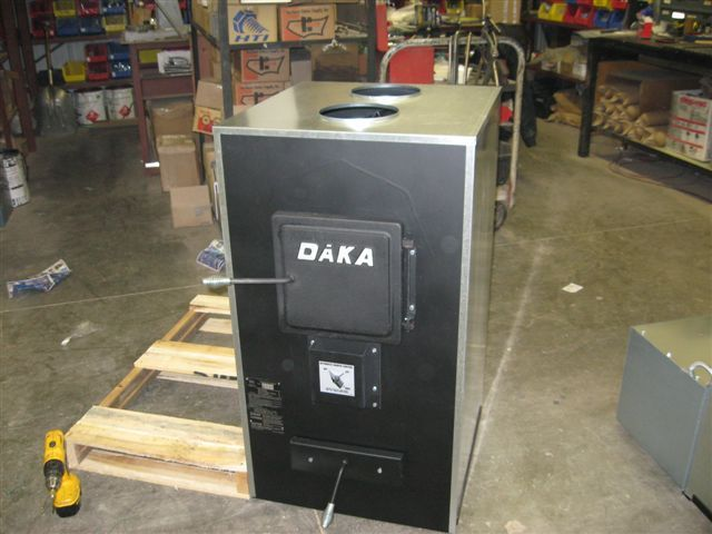 This system has a maximum output of 105,000 BTU's per hour, the DAKA 521  furnace will heat most medium to large size homes up to 2,600 square feet. - Fivestar Auction #176 In Mora, Minnesota By Fivestar Auctions