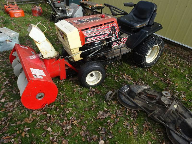 Dynamark Lawn Tractors : Dynamark lawn tractor k c auctions stacy estate