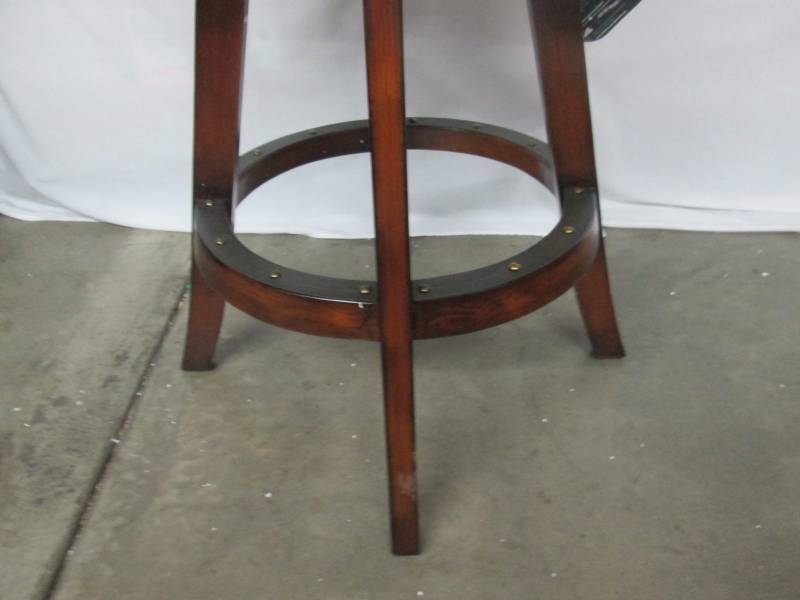 Coaster Dublin Bar Stool December Store Returns 3 K Bid