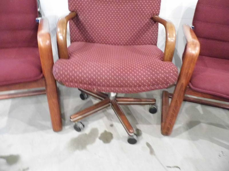 3 Office Chairs January 10 Consignment K Bid