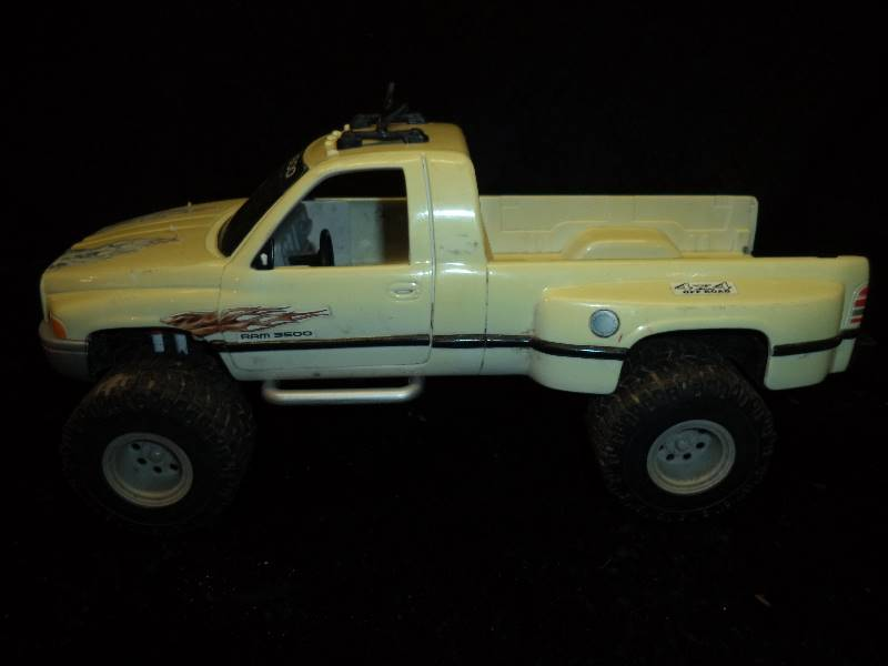 Treehouse Kids Dodge Ram 3500 Truck Collectible Tonka Nylint