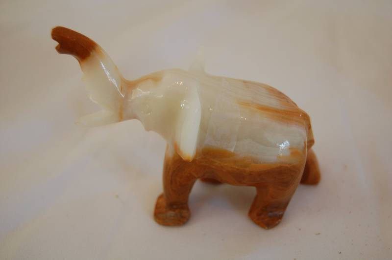 Stone Animal Figures : Stone animal figurines march consignment auction k bid
