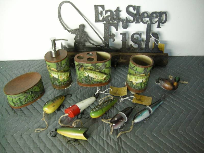 Resin Bathroom Accessories, Fishing Sign, Lures (not Real)