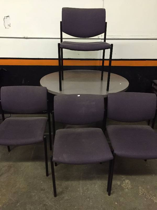 break room table and 4 chairs february consignment auction k bid. Black Bedroom Furniture Sets. Home Design Ideas