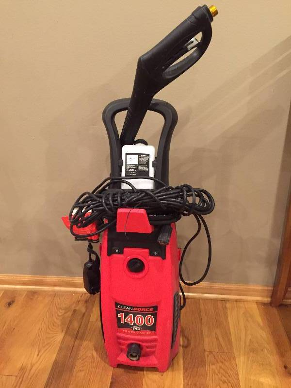 Clean Force 1400 Psi Pressure Washer