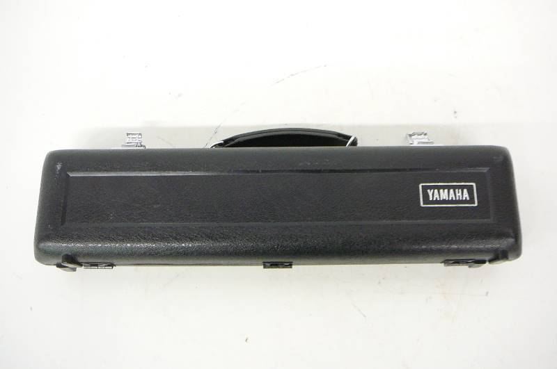 Yamaha flute case new pads 5 years ago relocation sale for Yamaha yfl225s flute sale