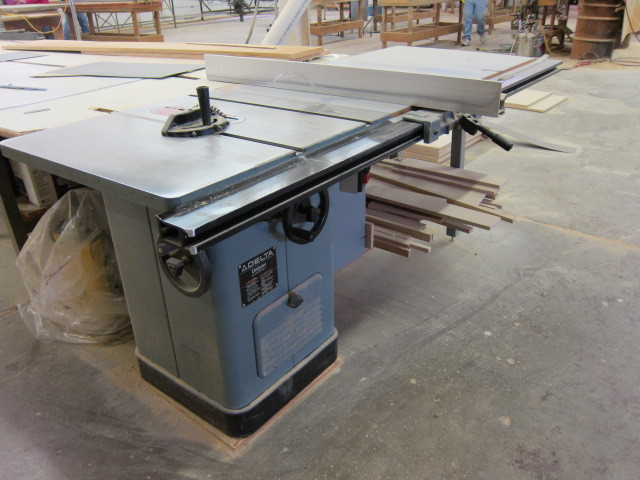 Large Table Saw Abi 294 Countertop Shop K Bid