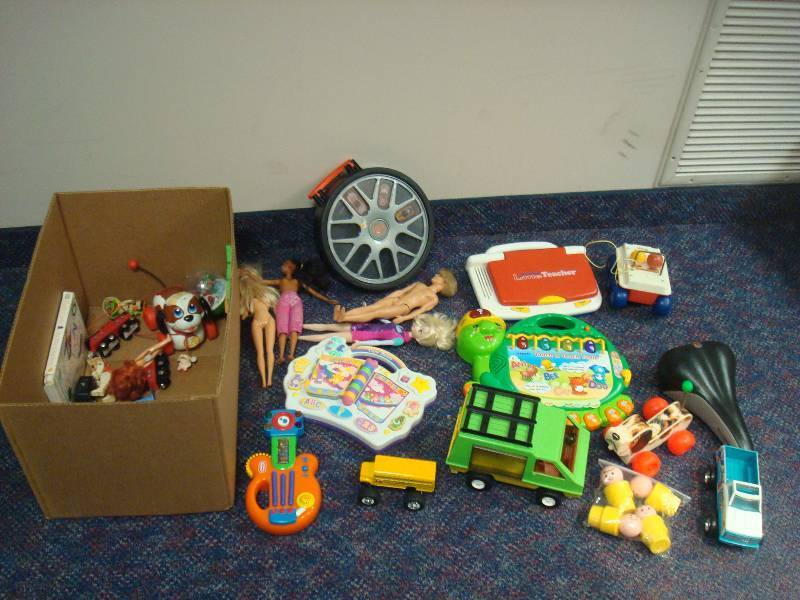 Box with a mix lot of toys some fisher price 77 mid for Mid century modern toy box