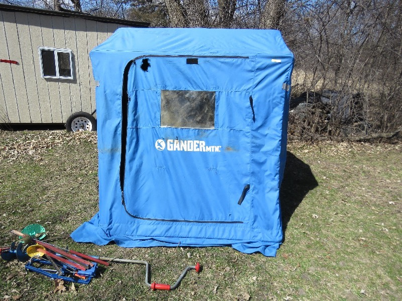 Gander mountain ice house shakopee online estate auction for Gander mountain ice fishing