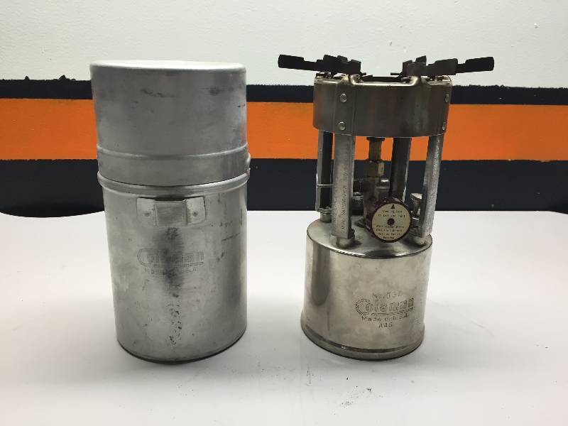 VINTAGE COLEMAN NO  530 CAMP STOVE | MAY TOOL, SHOP AND HOME