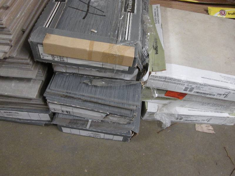 Ms International Metro Charcoal 12 In X 24 Glazed Porcelain Floor And Wall Tile 16 Sq Ft Case Retail 31 84 Cs Lot Of 5 Plus Cases Open Box