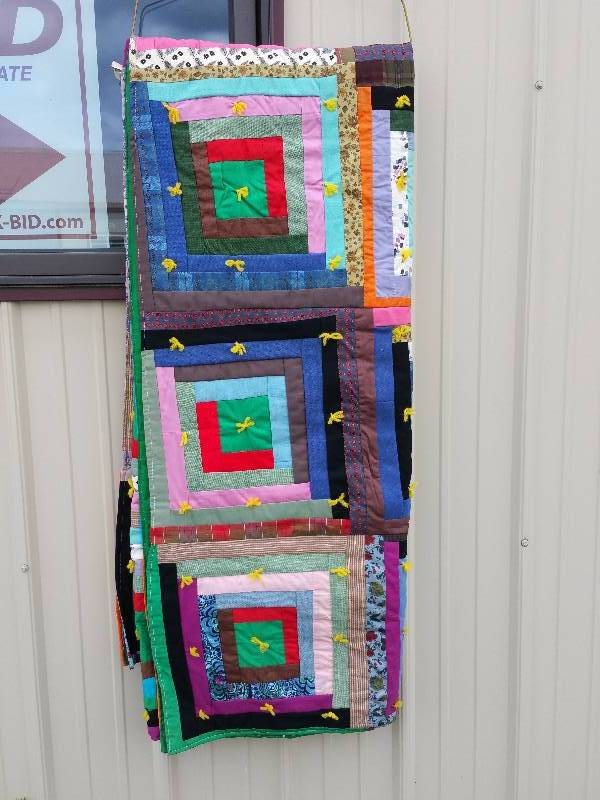 Handmade quilt wooden shingle playhouse garden shed for Garden shed quilting