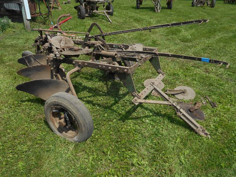 LE Farm Equipment & Estate Liquidation in Rogers, Minnesota by