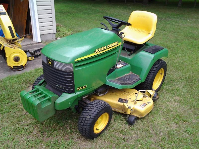 John Deere Lawn Tractor Enclosures : John deere riding lawn tractor with snowblower cab