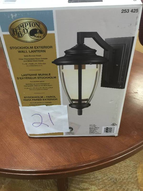 Hampton bay stockholm satin bronze outdoor wall lantern new kx hampton bay stockholm satin bronze outdoor wall lantern new kx real deals st paul tools bikes furniture lightning bathroom and more auction k bid mozeypictures Images