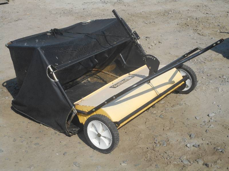 Yardworks 48 Quot Towable Lawn Sweeper Le August