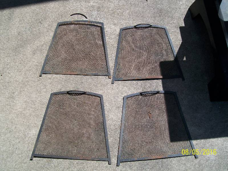 Used New Braunfels Square Metal Outdoor Patio Deck