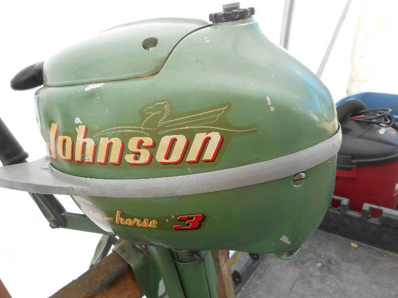 Antique 3 horse johnson seahorse boat motor jb for 4 horse boat motor