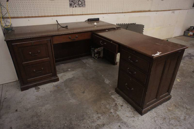 Auction listings in minnesota auction auctions for Furniture that can be disassembled