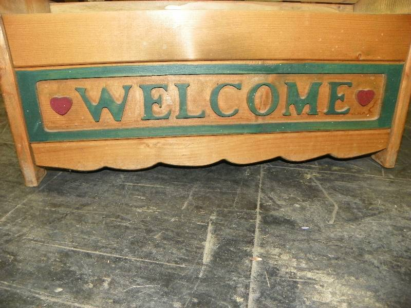 Wooden Welcome Bench Storage September Consignment Auction K Bid