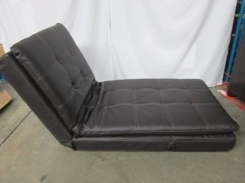Serta valencia click clack bonded leather chaise for Bellagio 100 leather chaise