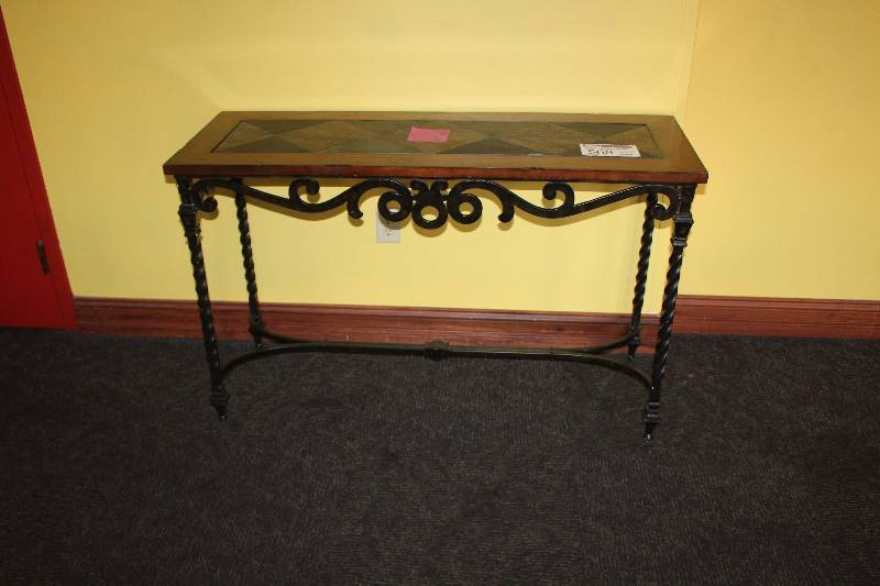 Sofa table final liquidation of a full service hotel k bid for Liquidation de sofa
