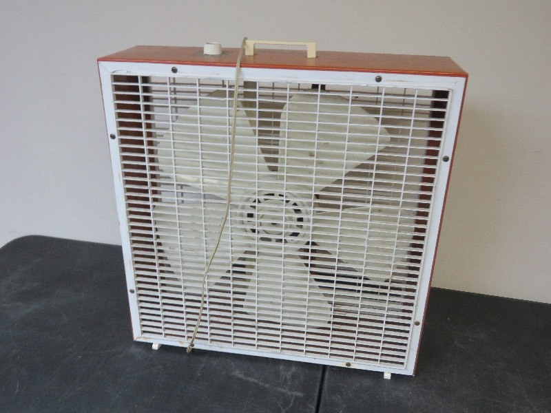 Box Fans On Sale : Box fan eagan estate sale k bid