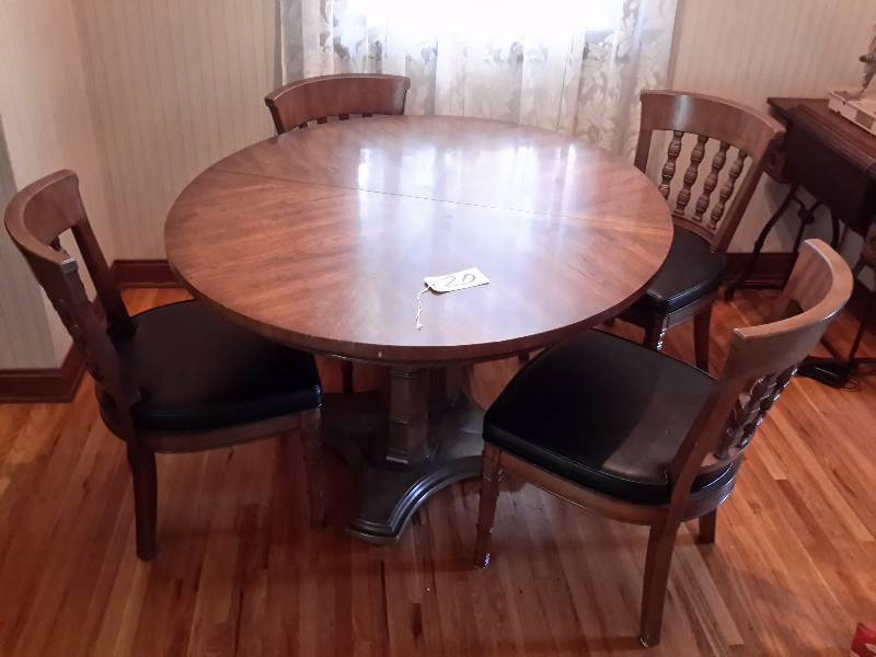 Very nice solid wood henredon dining table and 4 chairs for Nice wood dining table