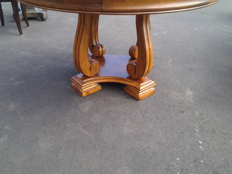 Round Dining Table 52 Inch: Stanley 52 Inch Round Dining Table