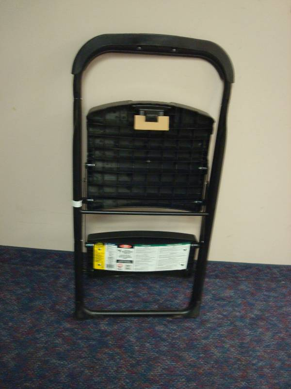 One Easy Reach Gorilla Ladders 2 Step Pro Stool Unused