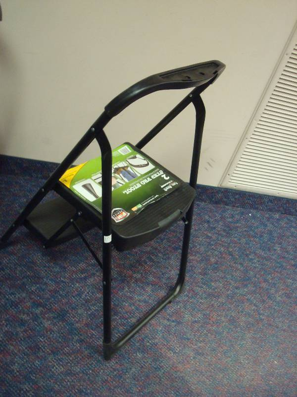 Pair Of Easy Reach Gorilla Ladders 2 Step Pro Stool