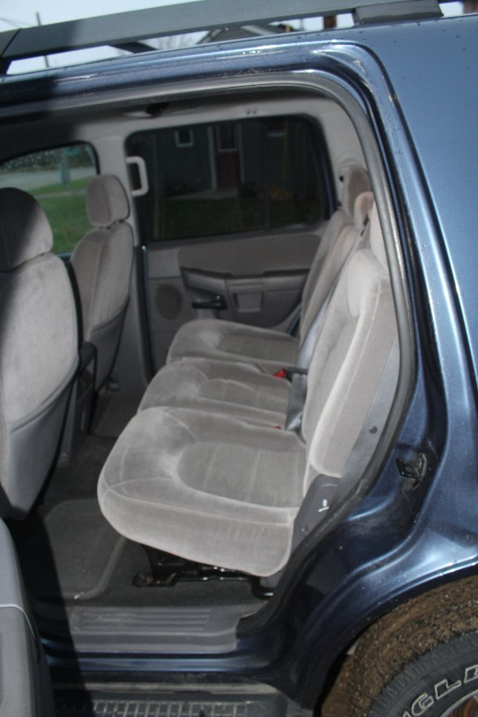 2005 ford explorer xlt 4x4 3rd row seating. Black Bedroom Furniture Sets. Home Design Ideas