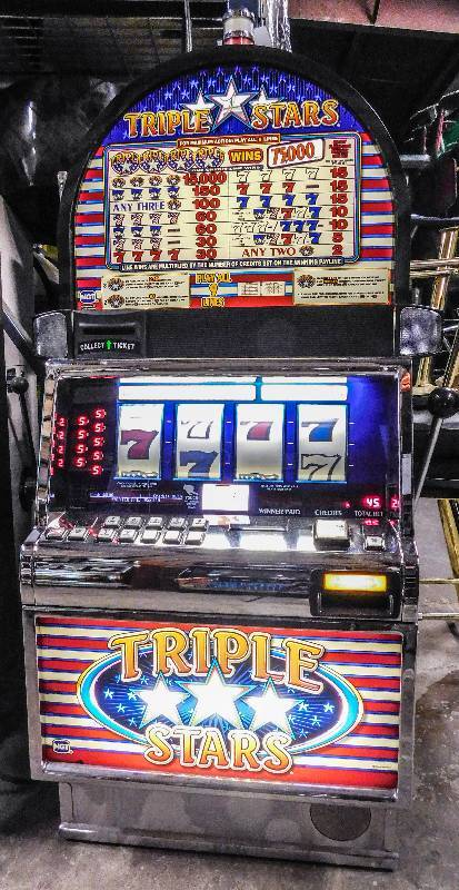 Triple Star Slot Machine
