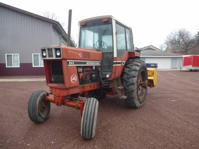 International Harvester 986 Tractor : International harvester tractor ncs collector trucks