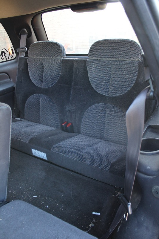 1999 dodge durango 4x4 3rd row seating 242 k bid. Black Bedroom Furniture Sets. Home Design Ideas