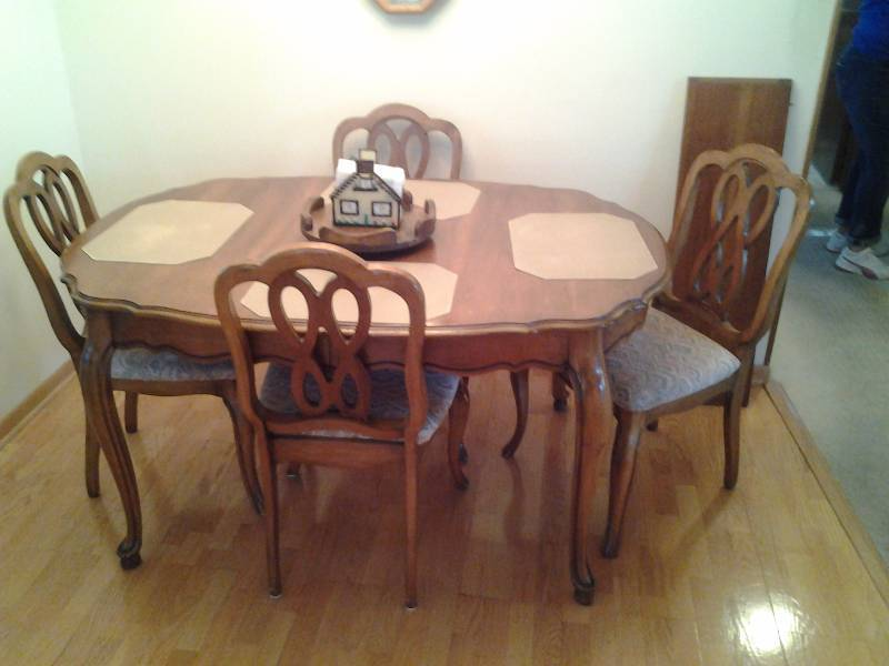 Dining room set includes table 42x58 1 leaf 12 inches 4 chairs placemats centerpiece - Dining room table mats ...