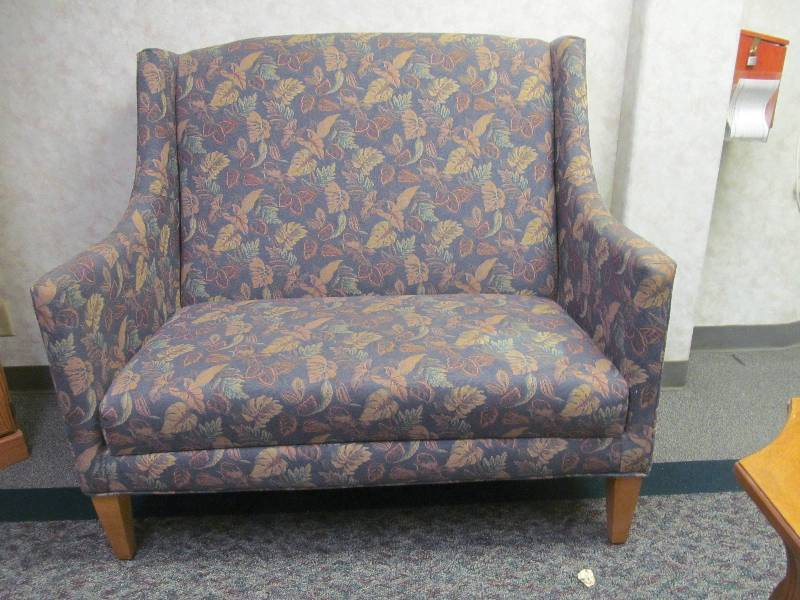 Love seat jax of benson sale 577 k bid for S f furniture willmar mn