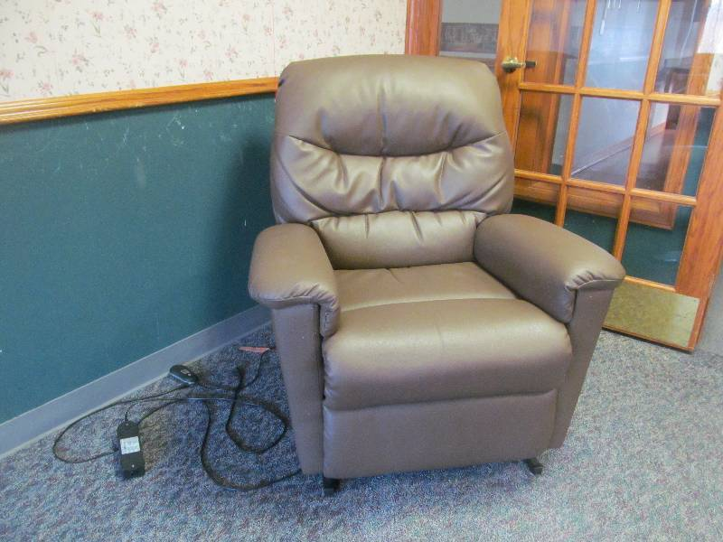 Recliner jax of benson sale 577 k bid for S f furniture willmar mn