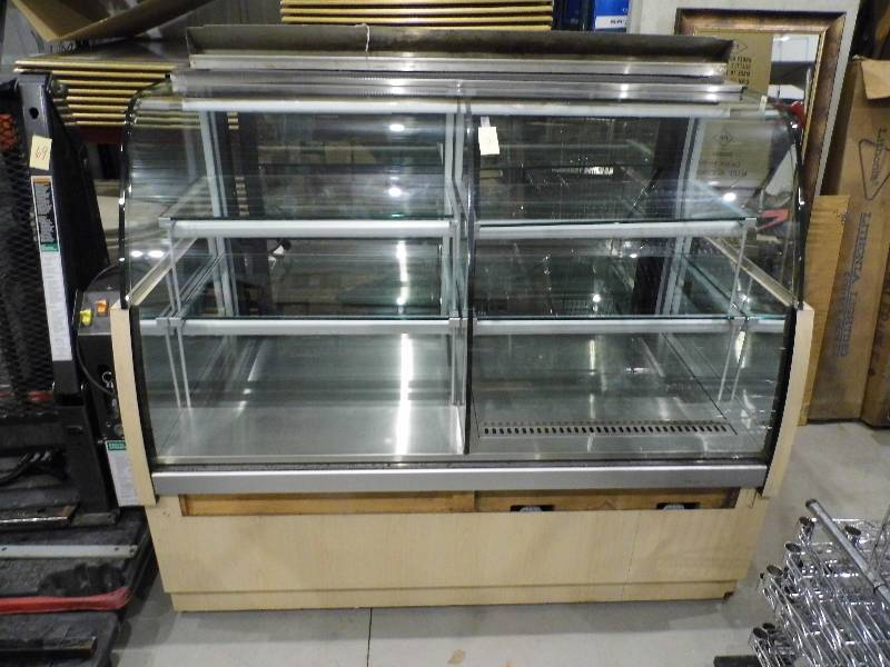 Curved Glass Display Case December Restaurant K Bid
