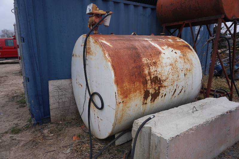1,000 Gallon Fuel Tank With Gasboy Electric Pump