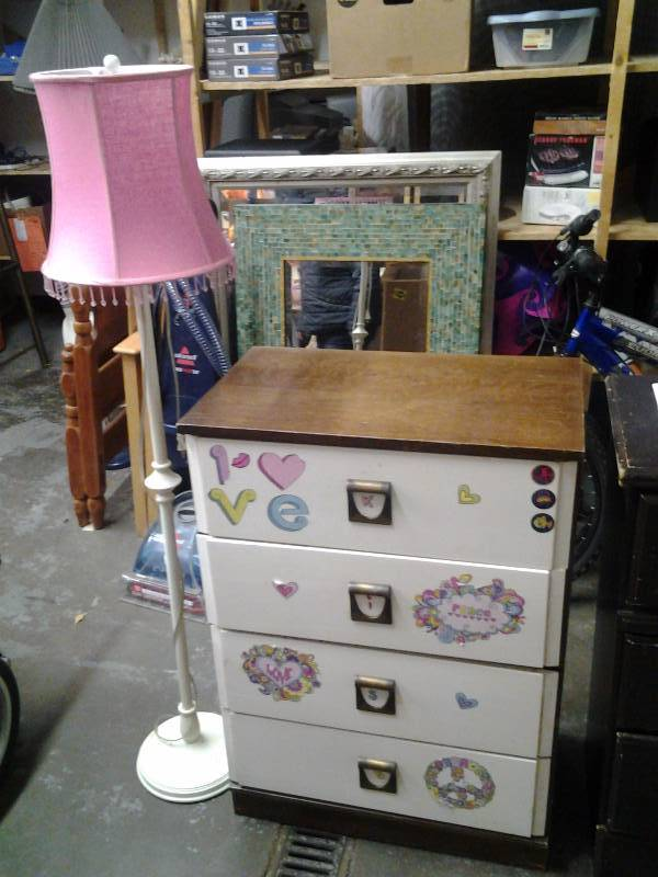 4 Drawer Dresser 26x16x37 & Floor Lamp With Pink Shade