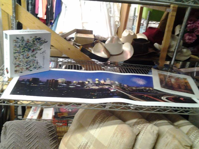 Minneapolis Skyline Print, Minnesota Trivia Game, New Minnesota Book (Unopened)