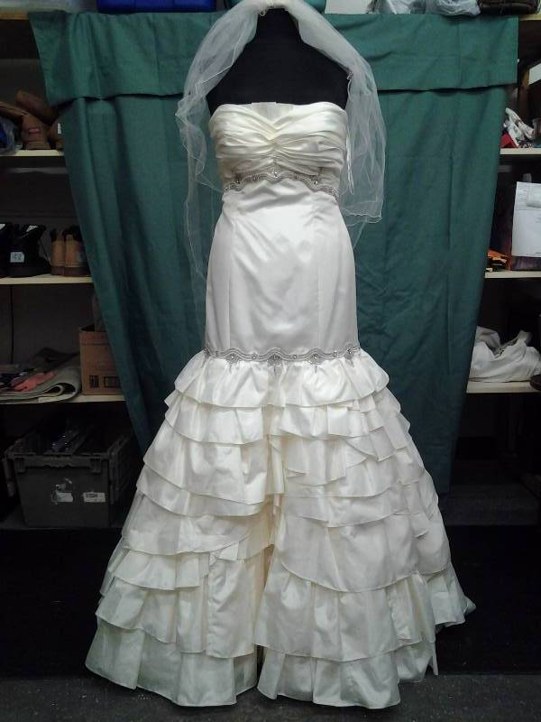 Eugenia Ivory/Beaded With Veil Size 14