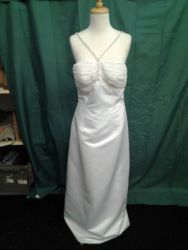 Beaded Ivory With Veil Size 12