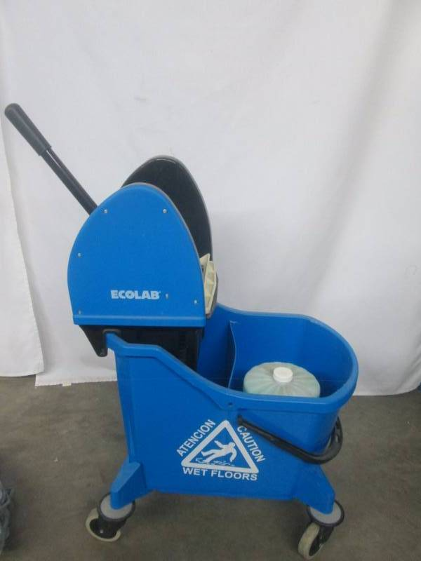 Ecolab Mop And Bucket December Store Returns Closeout