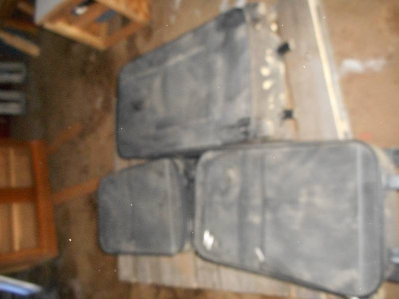 SET OF 3 CLOTH SUITE CASES