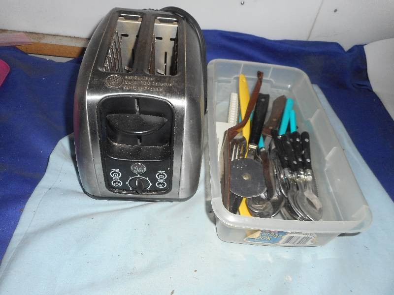 GE TOASTER AND SILVER WARE